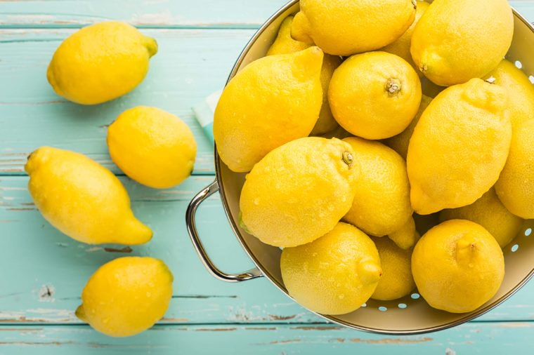 08_Lemon_Recipes-to-Follow-For-the-Perfect-Homemade-Face-Mask_204652387-el-lobo-760x506.jpg