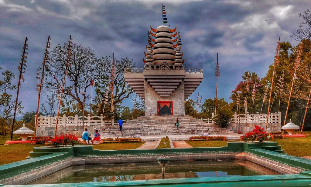 THE BEST PLACES TO VISIT IN IMPHAL CITY - kangla fort, pakhangba temple.